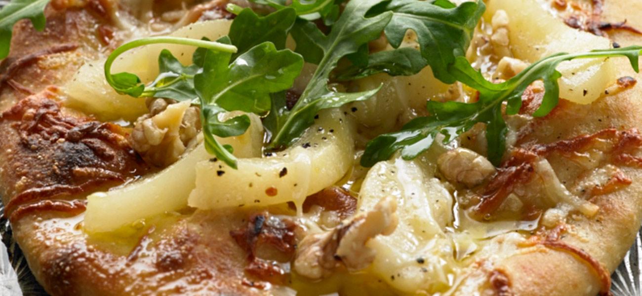 https://eatcannedpears.com/recipes/pear-and-arugula-pizza